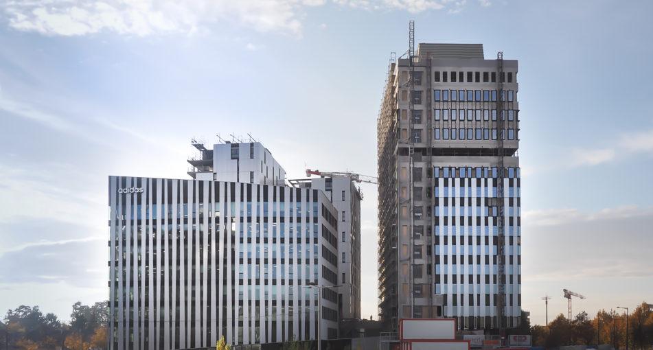 Adidas France installe son siège dans le nouveau quartier d'affaires du Wacken: un bâtiment signé AEA architectes